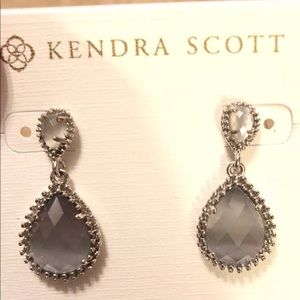Kendra Scott earrings new!